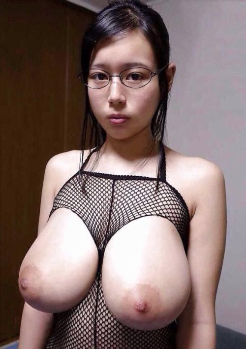 メガネ女子って独特なエロさ…服は脱いでもメガネはかけていて欲しいわwwww【画像30枚】