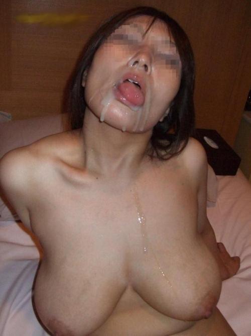 【素人】誰かに「精液が肌や髪にイイ」と聞いてきた嫁がザーメン欲してきて怖いwww【画像30枚】
