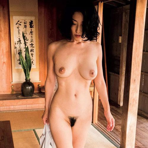 佐藤寛子 これがクライマックスヘアヌード!写真集『1262』で乳首も完全露出