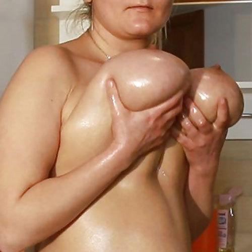 本当の垂れ乳ってこんなに凄いんだ~って驚いちゃう長乳お乳