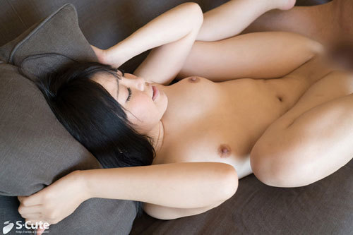 Hinata つるっつるパンパン娘とソファーでラブラブセックス