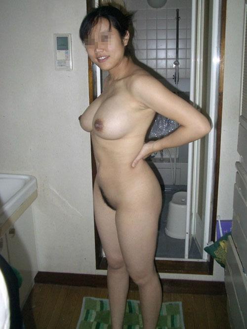 【ヌード】 素人がホテルで撮影した彼女の裸がネットにアップされる!!顔出し厳禁な危ない画像!!