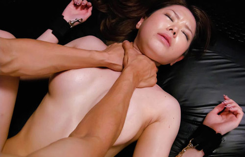 【首絞めエロ画像】一歩間違えると…冗談でしちゃいけない首絞め性交www