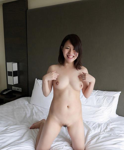セックスを楽しむお姉さんがエロ可愛いセックス画像
