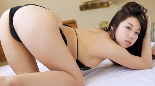 【鈴木ふみ奈Iカップおっぱいプルる~ん画像・動画】お尻も抜けるんゴ!