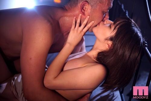 【三次】女の子と濃厚キスセックスしているおすすめAV&エロ画像part2