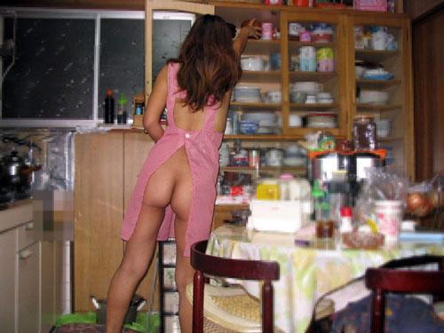 【家庭内 エロ画像】自宅で隠し撮りされた素人娘の痴態www