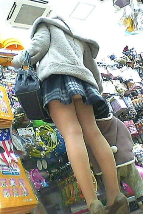 買い物の隙にパンチラ撮影♪★エロ画像49枚