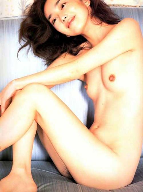 【ヌード画像】葉月里緒奈(41)の乳首ピン立ち剛毛ヘアヌード…魔性の女の末路は閲覧注意になっていた…