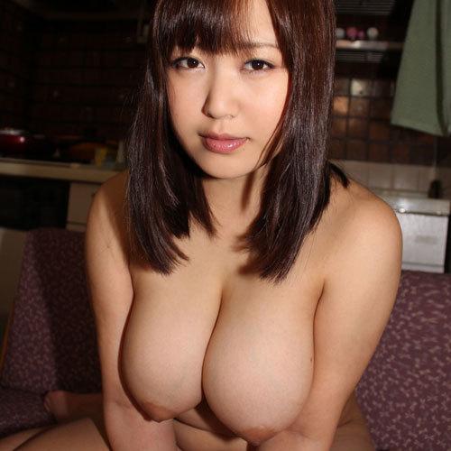 お乳が柔らかくてモミ心地がめちゃくちゃ良さそうな女子のえろ写真