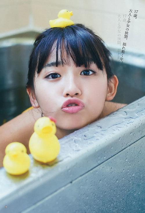 スパガ浅川梨奈の童顔巨乳おっぱい40