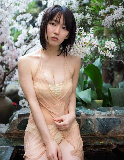 露天風呂でしっとり濡れる吉岡里帆(24)がエロい。