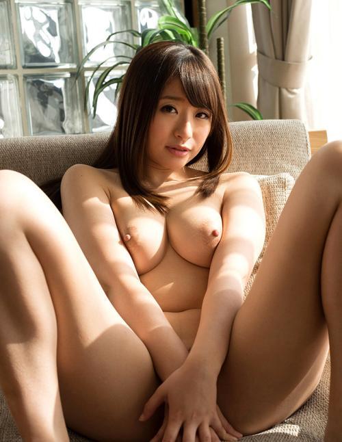 【初美沙希】 Eカップ美巨乳おっぱいを揉んでザーメンをぶっかけたいエロ画像