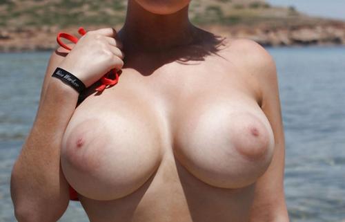 【巨乳輪エロ画像】よくお似合いですw巨乳には相応しすぎるデカ乳輪www