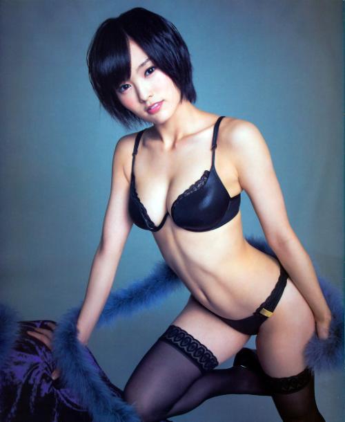 山本彩 セクシーすぎる男前の美女は卒業考えるエッセイ発売するおっぱい画像