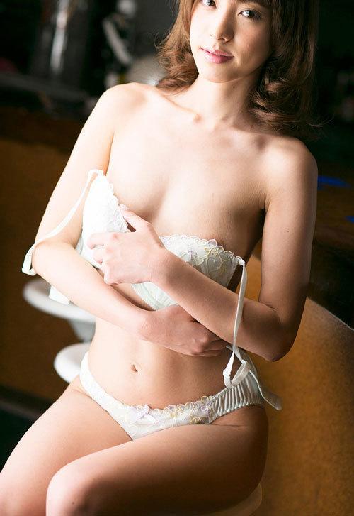 桃乃木かなFカップ美巨乳おっぱい68