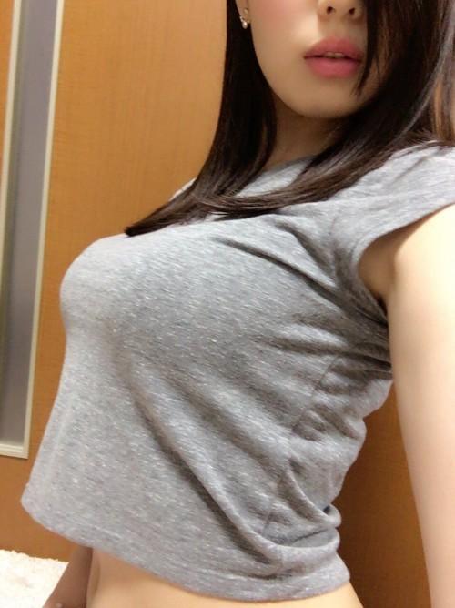 【三次】服を着ている女の子のおっぱい画像part5
