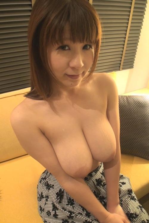 AV男優・沢井亮が街にいる爆乳だけを食べまくる新作 part3