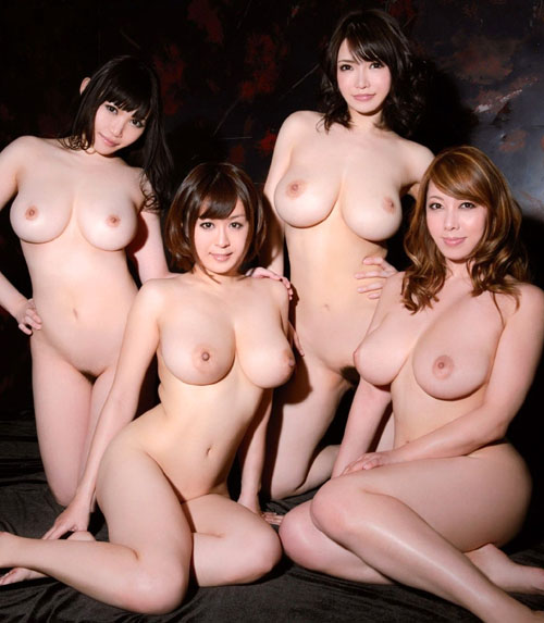女の子がみんなでおっぱい丸出しのまさに楽園14