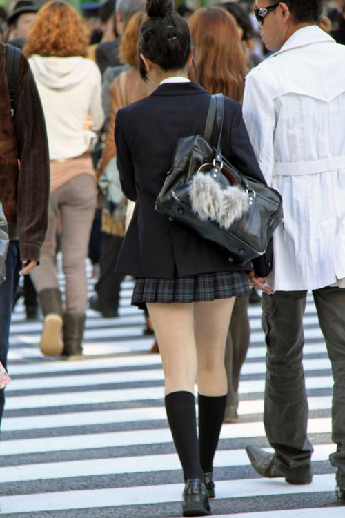 【JK エロ画像】ムッチリからスラリまで若者の生足はええのぉ!