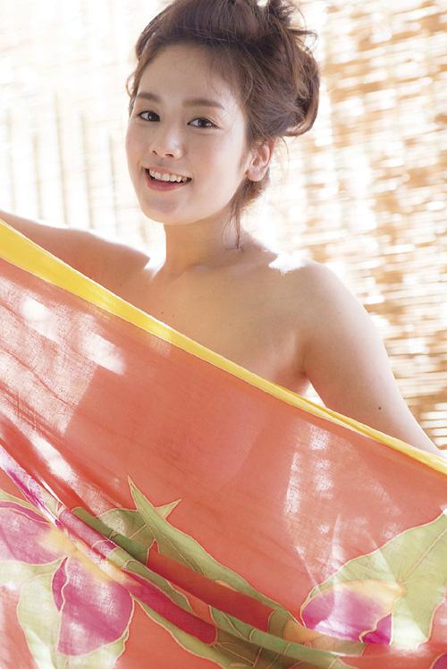 筧美和子が全裸でプールにはいっておっぱいとお尻丸出し7