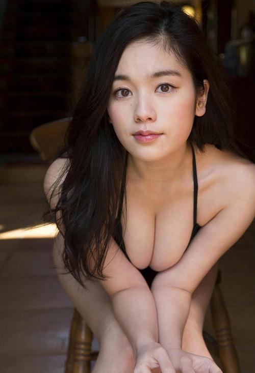 筧美和子が全裸でプールにはいっておっぱいとお尻丸出し20