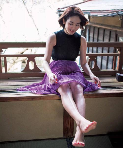 筧美和子が全裸でプールにはいっておっぱいとお尻丸出し27