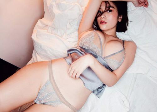 筧美和子が全裸でプールにはいっておっぱいとお尻丸出し32