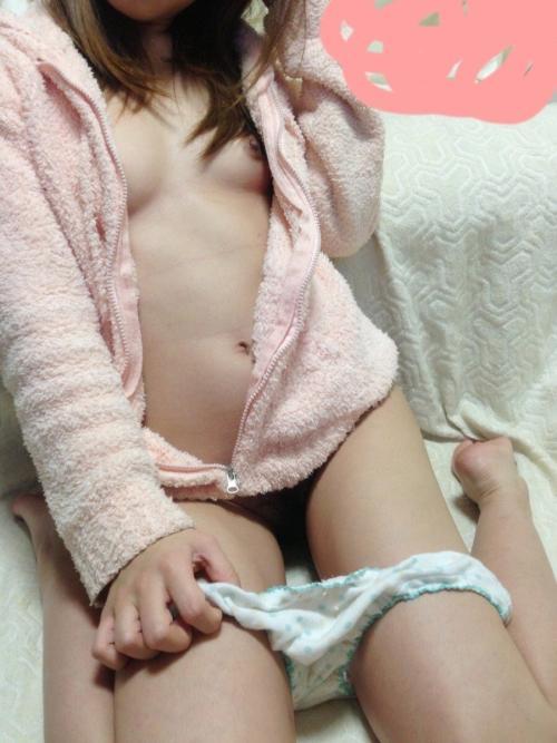 半裸や全裸など素人彼女のエッチな姿を無断で公開しちゃう彼氏ひでぇwww【画像30枚】