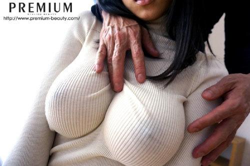 乳の暴力こと着衣おっぱいのエロ画像 part16