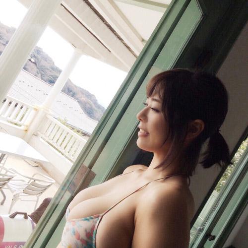 わちみなみの規格外のおっぱいグラビアデビュー7
