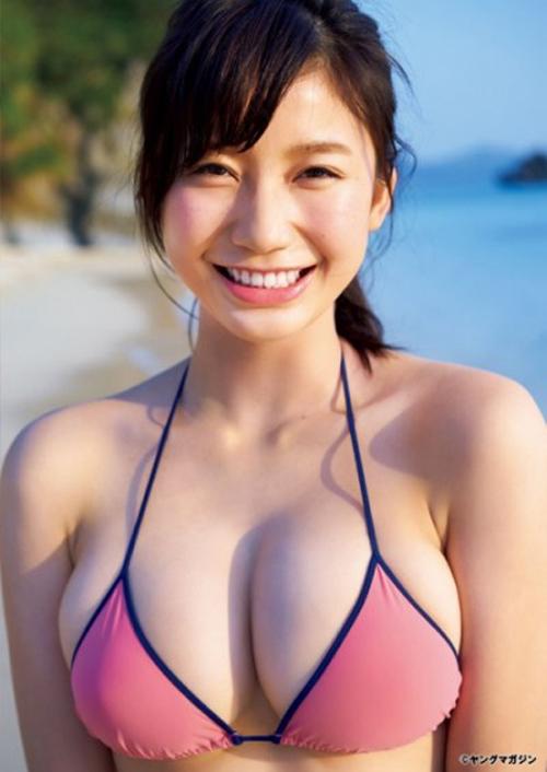 マガジンの巻頭グラビアで華やかにデビューした小倉優香ちゃんがめちゃくちゃかわいい!!!