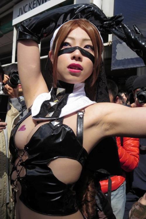 【コスプレ おっぱい】巨乳レイヤーおっぱいさん達のアニコス祭り開催や!