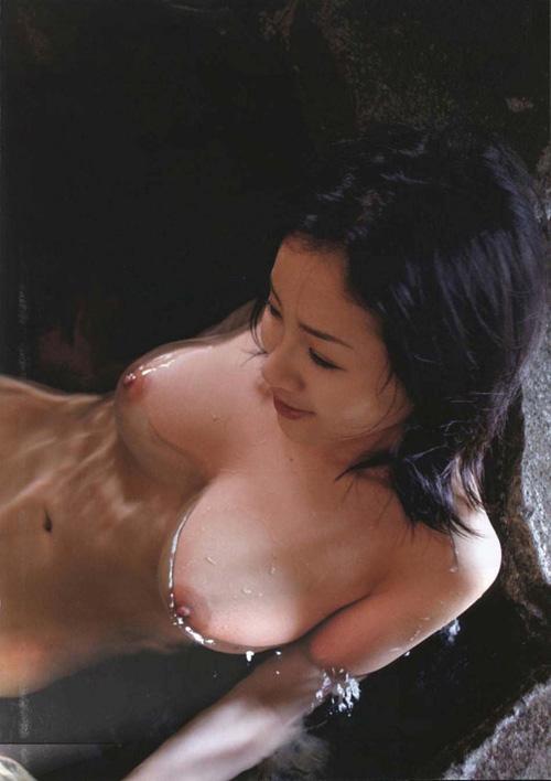 【浮乳】湯船に浮かぶ癒しのおっぱいにほっこりw画像30枚