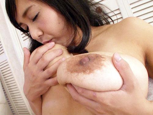 榎本祐希 Jカップ110cmのほぼ純粋娘のロケット乳お嬢様がSEXで感じるまで