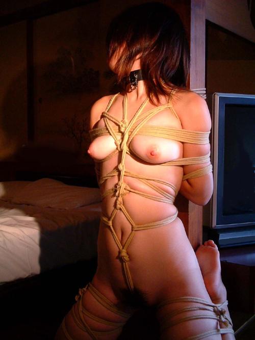 おっぱい縛りあげてドM嬢を緊縛調教12