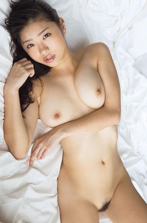 【桐谷まつりの胸が神乳】(巨乳・おっぱい・ヌード)エロ画像40枚!