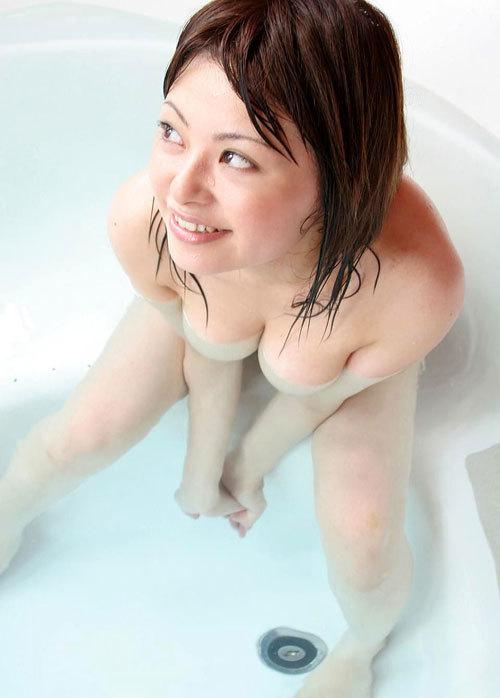 お風呂に入っておっぱいで癒やされたい13