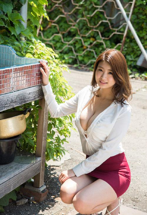 深田ナナのKカップ美爆乳おっぱい 13