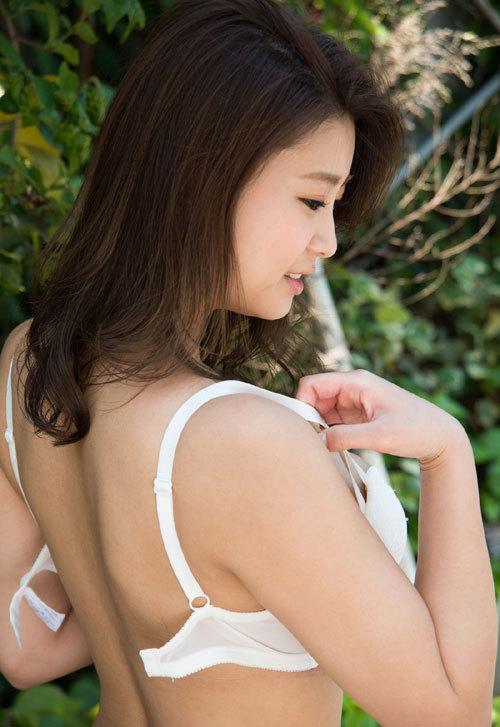 深田ナナのKカップ美爆乳おっぱい 18