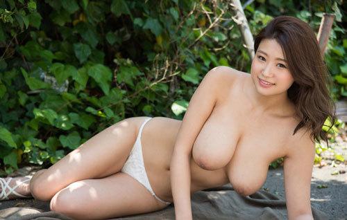 深田ナナのKカップ美爆乳おっぱい 22