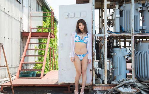 深田ナナのKカップ美爆乳おっぱい 67