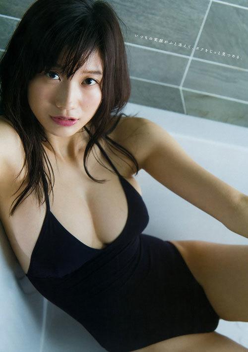小倉優香のビキニからはみ出すおっぱい51