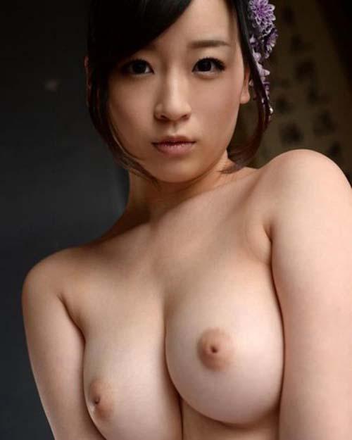 陥没乳首を掘り起こしたい!そんな欲求が湧き上がるおっぱい画像