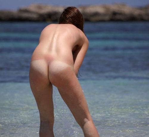 【外国人 エロ画像】海外特有のノリ、それがヌーディストビーチ!w