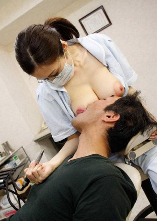 巨乳歯科医さん!自慢のデカパイ当たってますよ!(*´∀`*)
