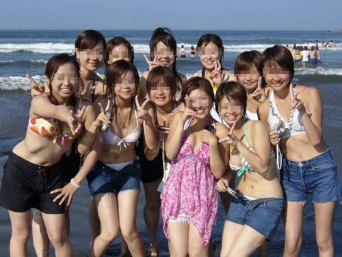 素人ビキニギャルの集合写真がオカズすぎ!ピチピチ素人娘たちの水着競演が堪らんwww