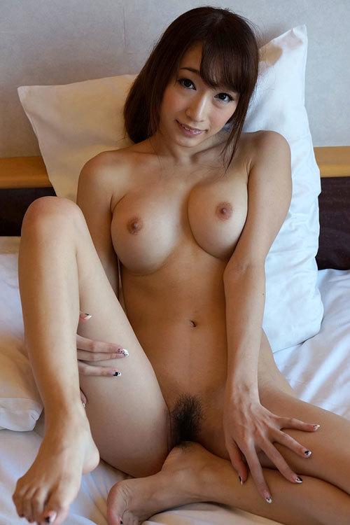 全裸でおっぱいとマン毛丸出しの女の子8