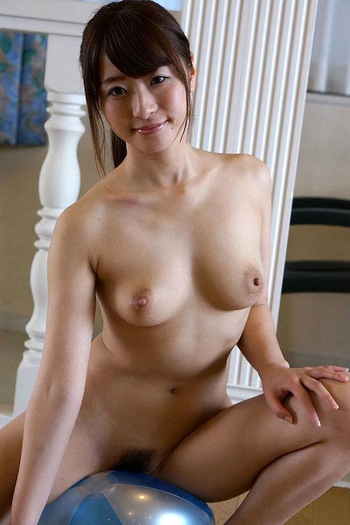 全裸でおっぱいとマン毛丸出しの女の子29