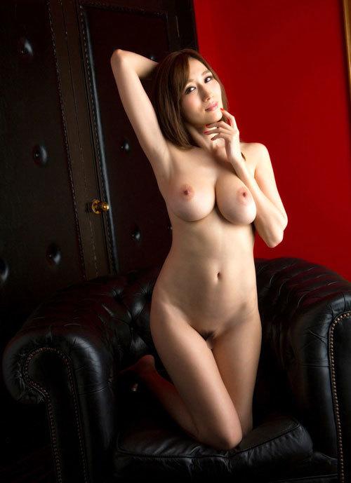 全裸でおっぱいとマン毛丸出しの女の子30